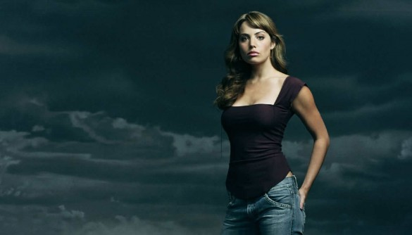 2623-erica-durance-tv-smallville-WallFizz